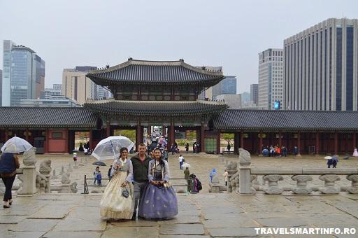 Gyeongbokgung Palace - Gwanghwamun gate