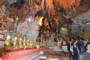 MYANMAR - Pindaya cave