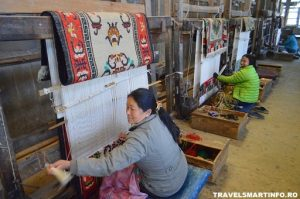 Centrul de refugiati Tibetani - atelier tesatorie
