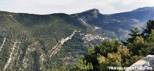 Valea Sfanta - traseul catre manastire