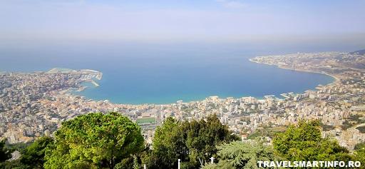 Vedere asupra golfului Jounieh