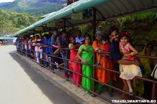 Eravikulam National Park - asteptand la intrare