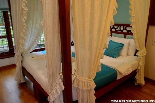Blue Jelly houseboat - interiorul