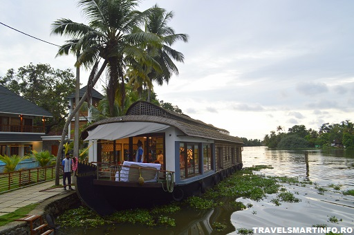Houseboat - apus