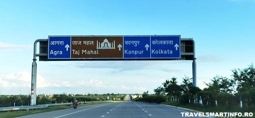 Delhi - Agra. Autostrada Yamuna