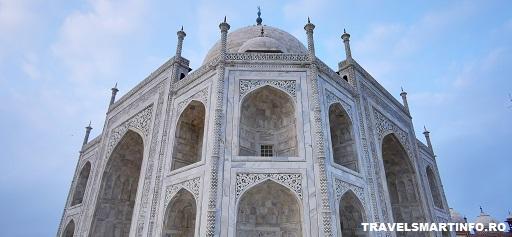 Taj Mahal - schimbarea culorii marmurei