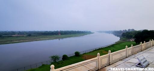 Taj Mahal - imprejurimi - raul Ayuma