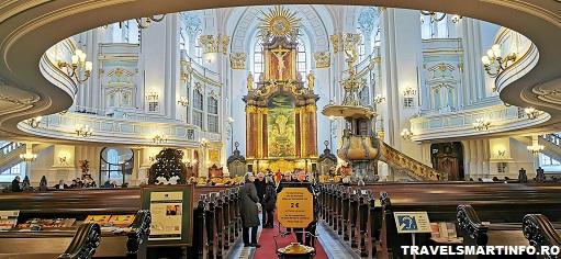 Hauptkirche Sankt Michaelis. Vedere interioara.