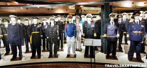 Muzeul Maritim Hamburg. Uniforme din toate colturile lumii.