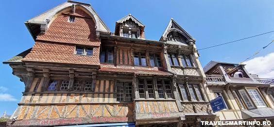 L`Entretat - case din lemn