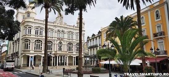 Plaza Cairasco - Gabinete Literario & Hotel Madrid