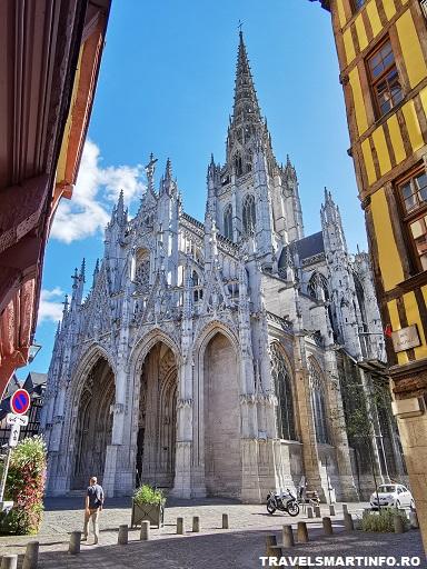 Catedrala Saint Maclou - vedere de pe strazi laterale