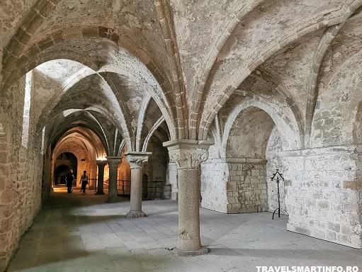 Mont Saint Michel Abbey - interiorul abatiei