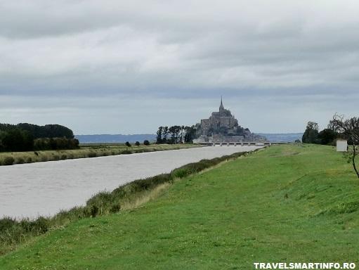 Mont Saint Michel vazut din Beauvoair