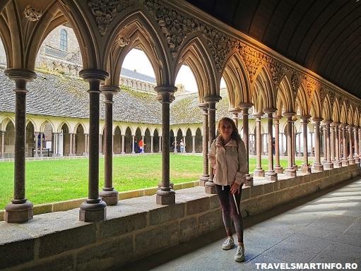 Mont Saint Michel Abbey - cloisterul manastirii