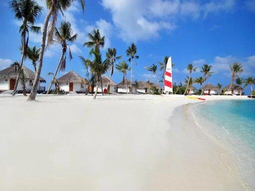 Safari Island Resort & Spa Maldives 4*